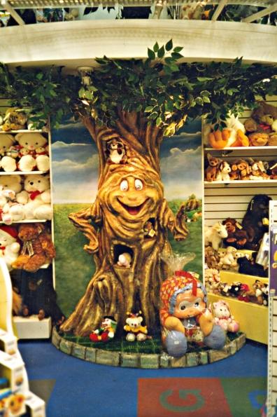 Árvore para decoração da Loja de brinquedos Circus - Shopping Riosul