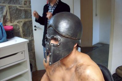 Capacete de gladiador para comercial Bob's