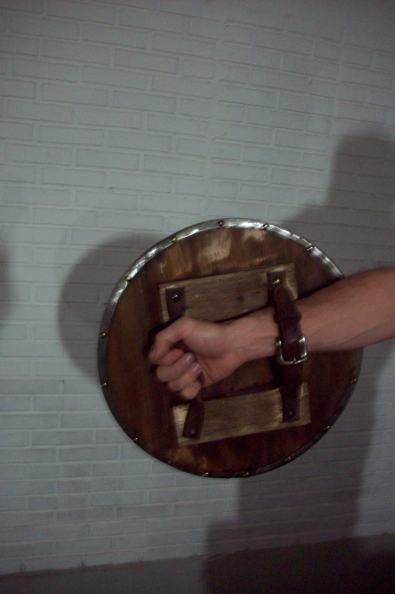 Escudo de gladiador para comercial Bob's