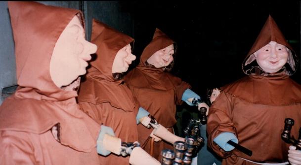 Manequins frades com movimentos eletromecânicos - Vitrine Natal Mesbla 1994