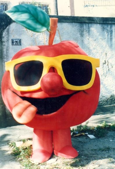 Fantasia de maçã para Show da Xuxa em Buenos Aires